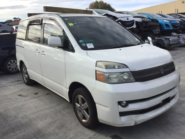 Toyota Noah/Voxy AZR60 2001-2007