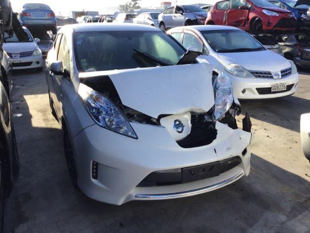 Nissan Leaf ZE0 2011-2016